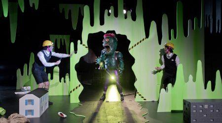 """Premiere """"Unser Lehrer Ist Ein Troll"""" Im Jungen Theater Heidelberg"""